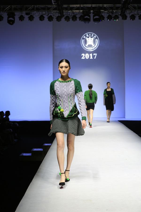中原工学院毕业生服装设计展 时尚元素引爆t台